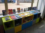Museokaupassa myytäviä kirjoja